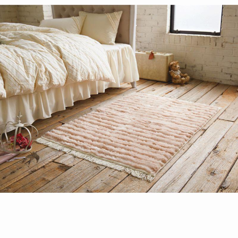 フリンジ付ふわふわラグ(長方形・95x130) ピンクベージュの商品画像